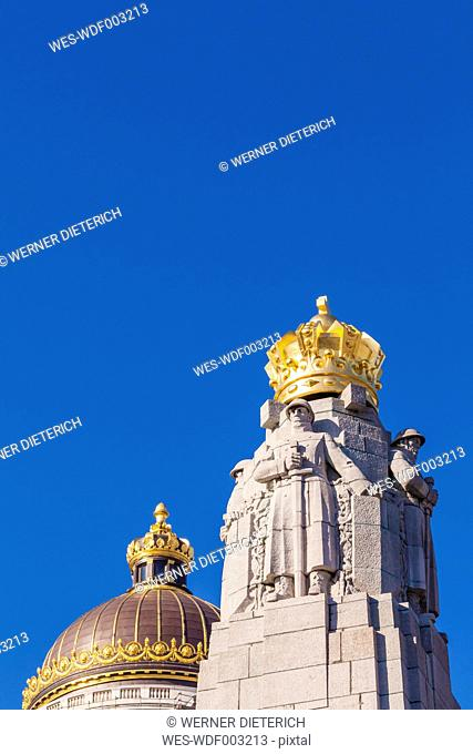 Belgium, Brussels, Palace of Justice, cupola, Monument a la Gloire de l'infanterie in the foreground