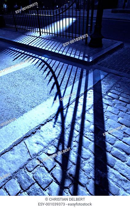 Cobblestone shadow in blue