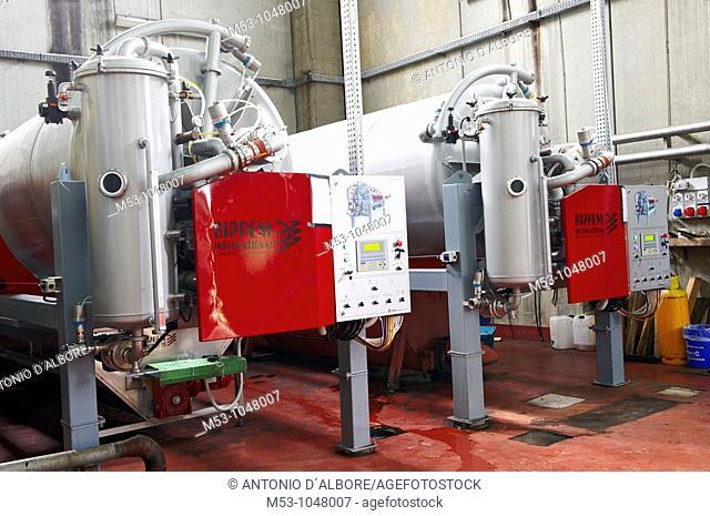 Vacuum Presses for making wine