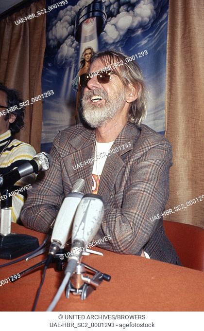 Der amerikanische Regisseur und Cutter Hal Ashby bei den Filmfestspielen in Cannes, Frankreich 1970er Jahre. American movie director and cutter Hal Ashby at the...
