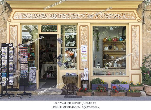 France, Vaucluse, Sault, street of the Republic, the shop window