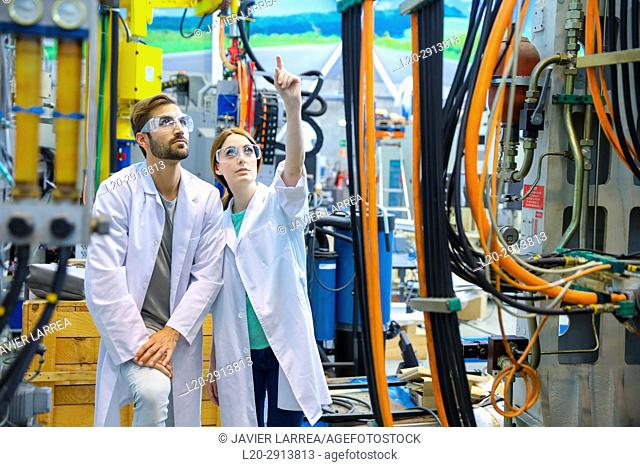 Researchers in machining center, Industry, Tecnalia Research & innovation, Technology and Research Centre, Miramon Technological Park, San Sebastian, Donostia