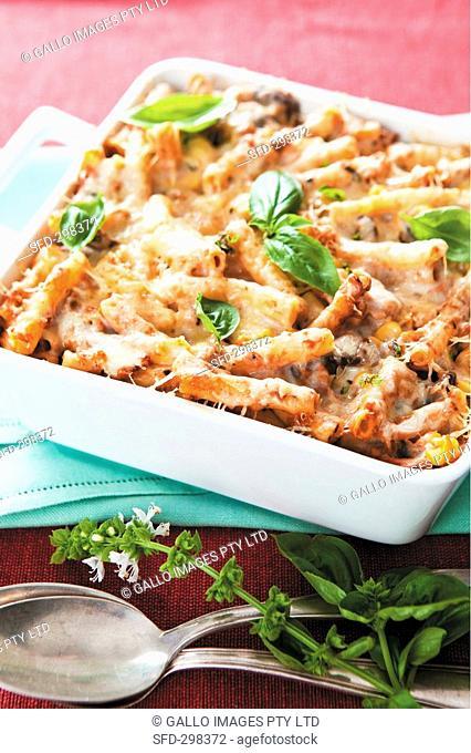 Tuna and macaroni bake