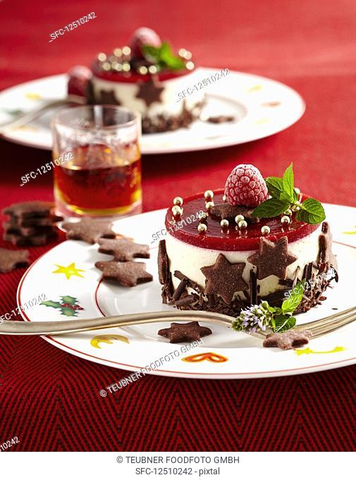 Christmas mascarpone and raspberry shortbread cakes