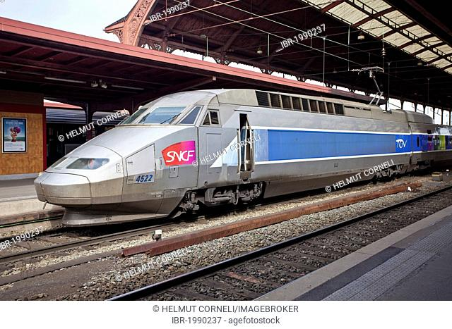 Train à Grande Vitesse, TGV high speed train, can go up to 320 km/h, Strasbourg Central Station, Strasbourg, Alsace, France, Europe