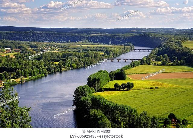 Dordogne river, Cingle de Tremolat point, landscape nature view, France