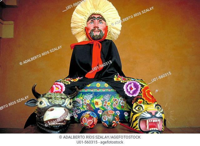 Traditional colourful pottery, Chiapa de Corzo. Chiapas, Mexico