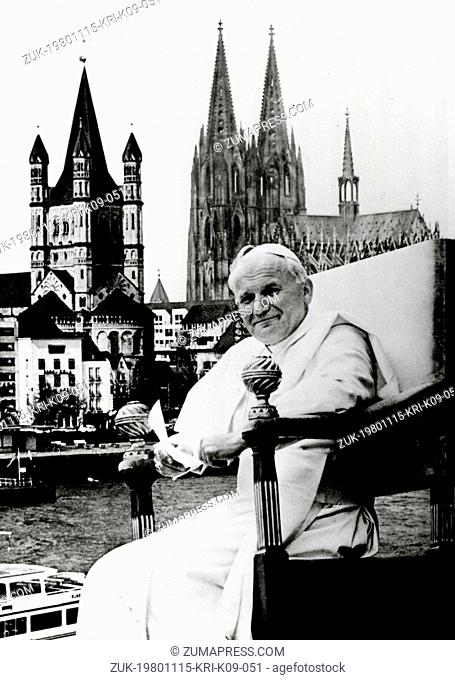 Nov. 15, 1980 - Cologne, Germany - POPE JOHN PAUL II in front the the famous Thine scene of Cologne, West Germany. (Credit Image: © Keystone Press...