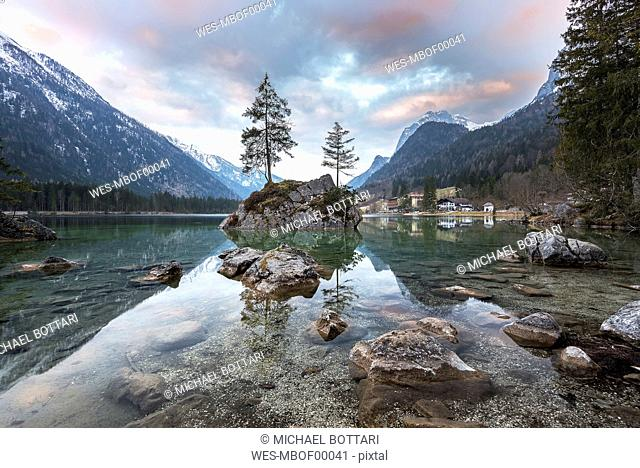 Germany, Bavaria, Berchtesgaden Alps, Lake Hintersee in the morning