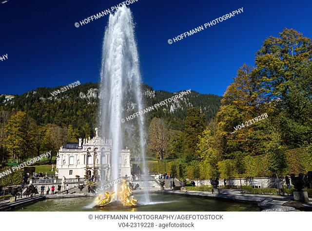 Picturesque 19th century Linderhof Palace (Linderhof Castle), Bavaria, Germany, Europe