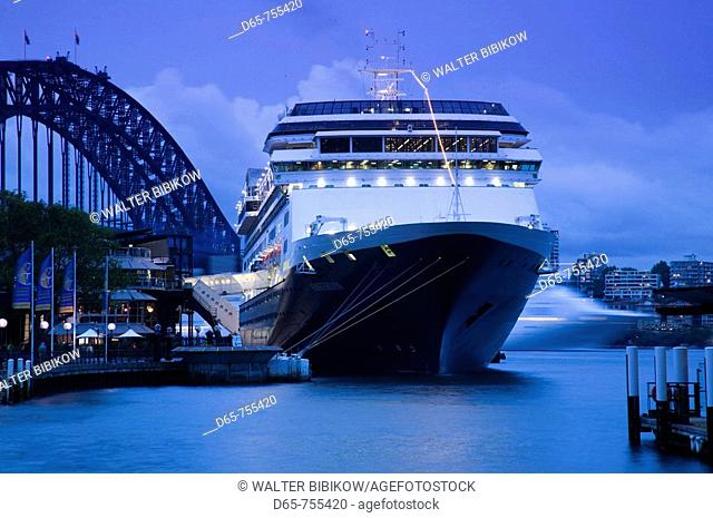 Australia - New South Wales (NSW) - Sydney: Cruise ship 'Amsterdam' in Sydney Harbor in the evening