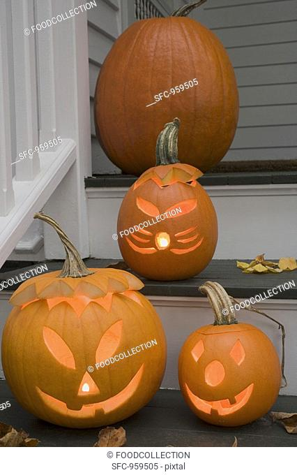 Pumpkin decorations for Halloween on stairs