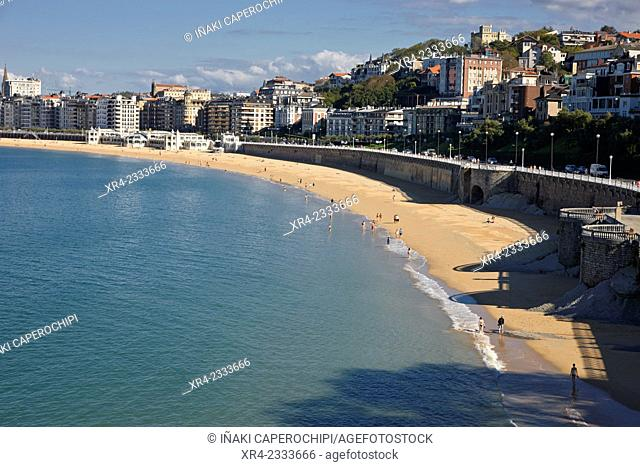 La Concha Beach, Donostia (San Sebastian), Gipuzkoa, Basque Country, Spain