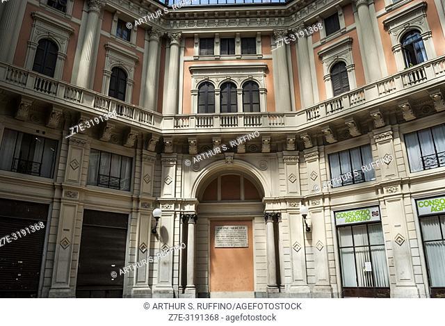 Arnaboldi Dome. Arcade. Corso Strada Nuova and Piazza del Lino, Pavia, Lombardy, Italy, Europe
