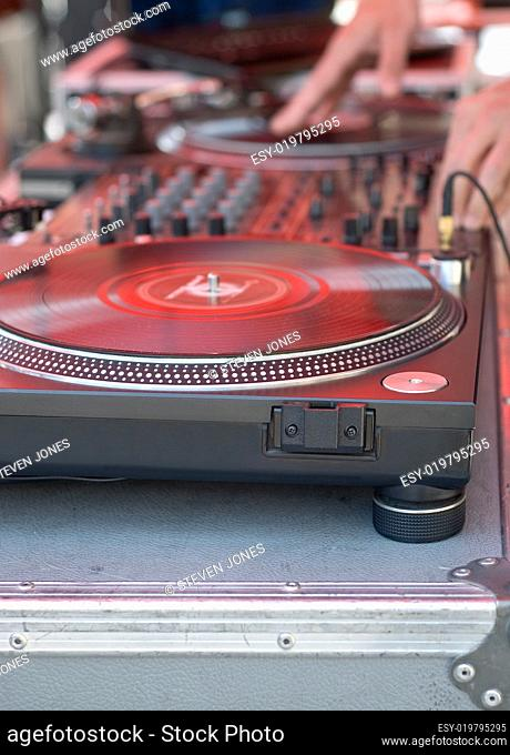 Turntable for Scratching