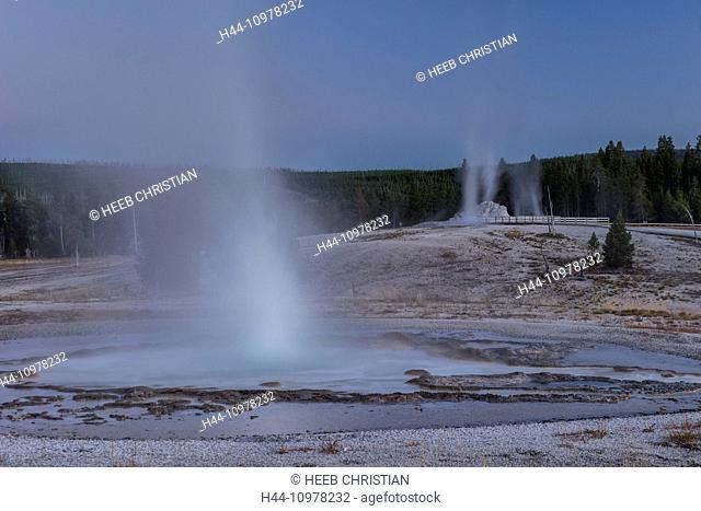 USA, United States, America, Wyoming, Rockies, Rocky Mountains, Yellowstone, National Park, UNESCO, World Heritage, Castle geyser, upper geyser basin, geyser