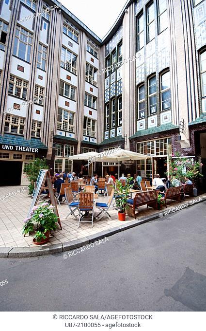 Germany, Berlin, Mitte Quarter, Hackesche Hofe, Courtyard, Restaurant