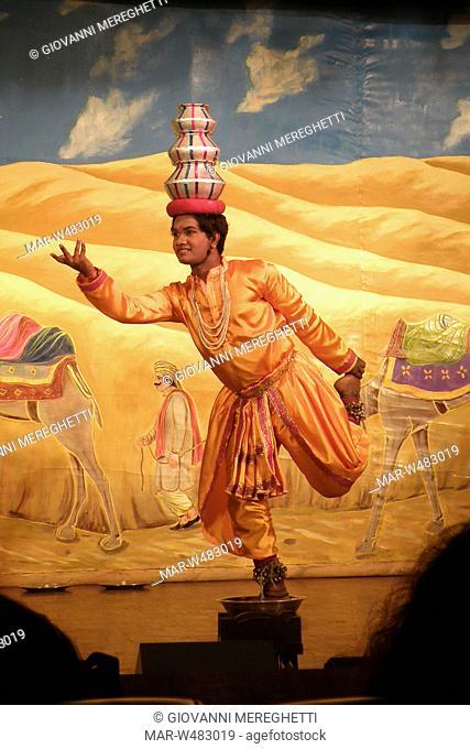 danza tradizionale, varanasi, uttar pradesh, india