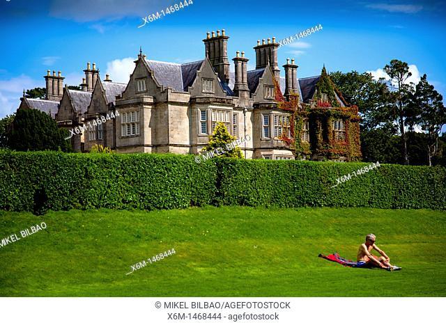 Muckross House and tourist  Killarney National Park  County Kerry, Ireland