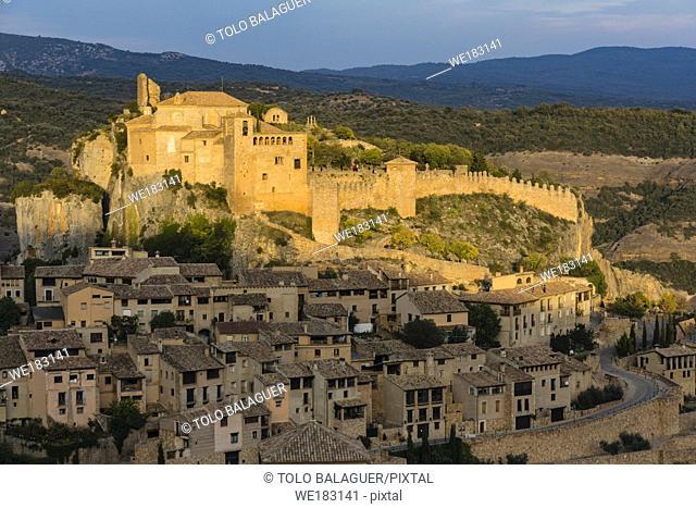 colegiata-castillo Santa María la Mayor , fortaleza, construida en el siglo ix por Jalaf ibn Rasid, Alquézar, Monumento Histórico Artístico Nacional