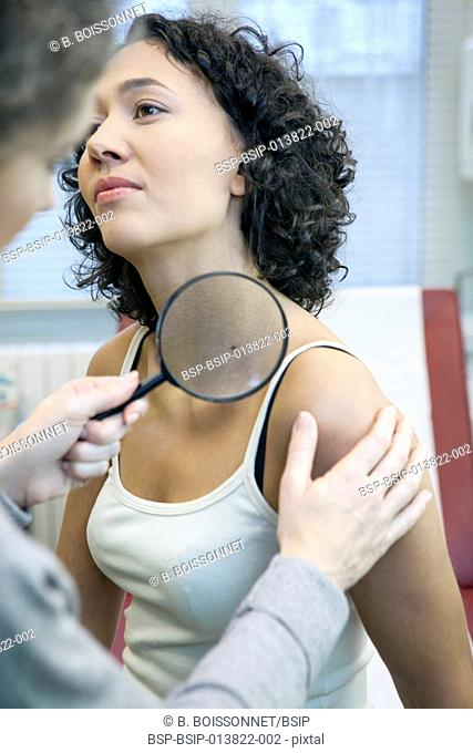Dermatology, symptomatology, woman