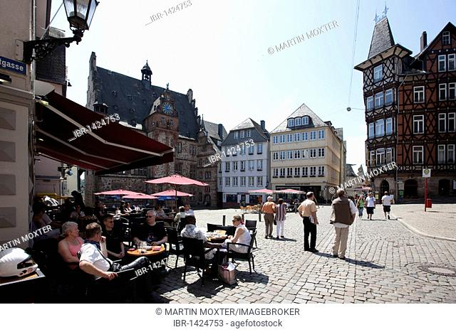 Marketplace with restaurants, town hall on the left, old town of Marburg, Hesse, Germany, Europe