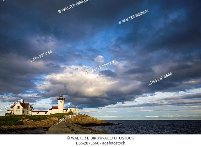 USA, Massachusetts, Cape Ann, Gloucester, Eastern Point LIghthouse, dusk
