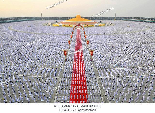 Makha Bucha Day, Magha Puja Day, Theravada Buddhist holiday, mass meeting with monks and religious people in Wat Phra Dhammakaya, Chedi Mahadhammakaya Cetiya
