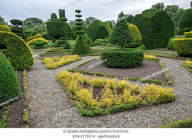 Geometric Hedges and paths, Levens Hall , Kendal, Cumbria , UK