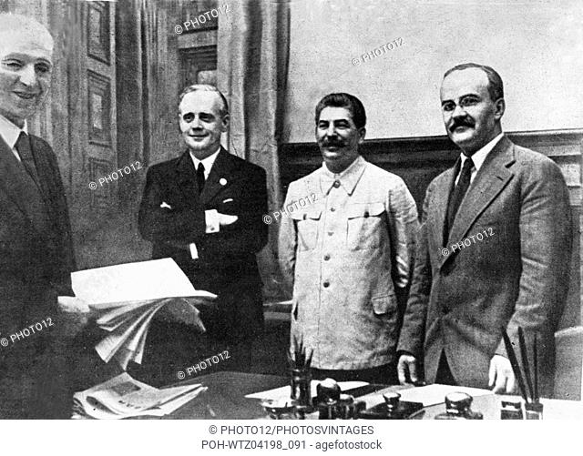 Signing of the Soviet-German non-aggression Pact from l. to r: Gaus, Molotov, Stalin and von Ribbentrop. August 23, 1939