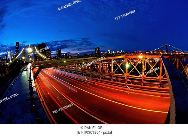 USA, New York State, New York City, Manhattan, Brooklyn Bridge at dusk