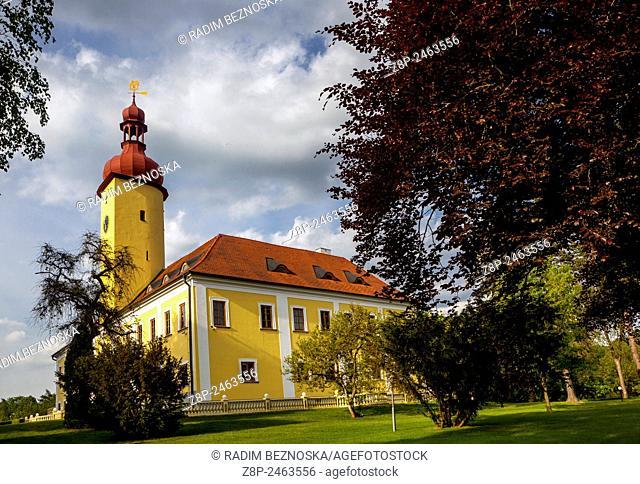 Straz Nad Nezarkou, South Bohemia, Castle