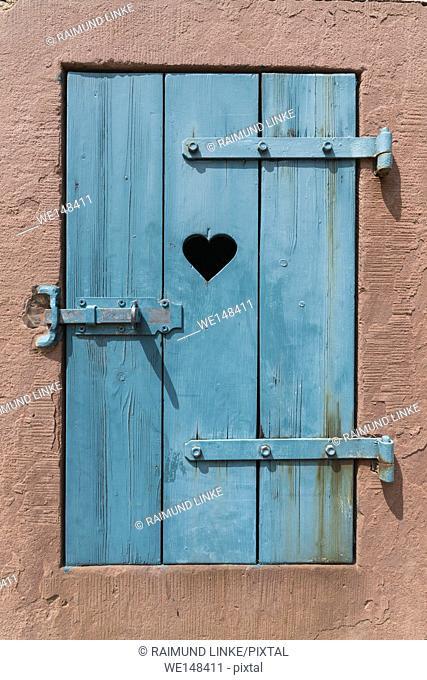 Window flap with heart, Michelstadt, Odenwald, Hesse, Germany
