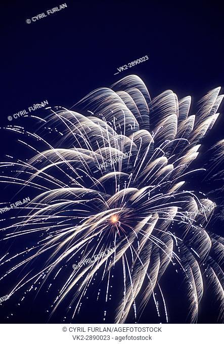 Single burst, white fourth of July