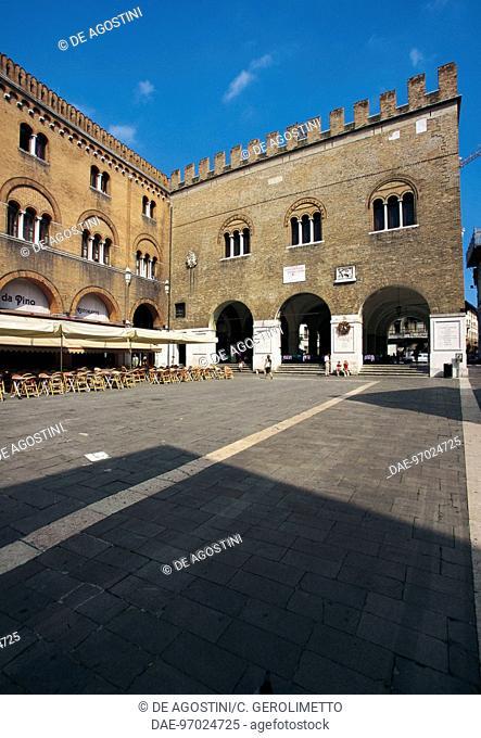 Piazza dei Signori with the western facade of Palazzo dei Trecento, 12th-13th century, with the Podesta palace on the left, 13th century, Treviso, Veneto, Italy