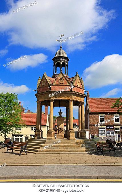 Market Cross, St James Square, Boroughbridge, North Yorkshire, England, UK