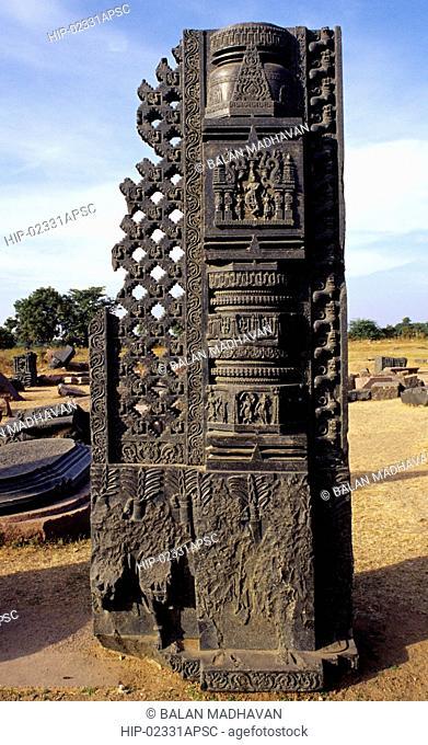 PILLARS IN WARANGAL FORT, ANDHRA PRADESH,INDIA
