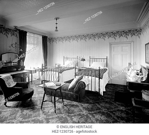 Grosvenor Hotel, 101 Buckingham Palace Road, London, 1910. Bedroom 146 in the Grosvenor Hotel, London. The hotel was built to serve Victoria Station by JT...