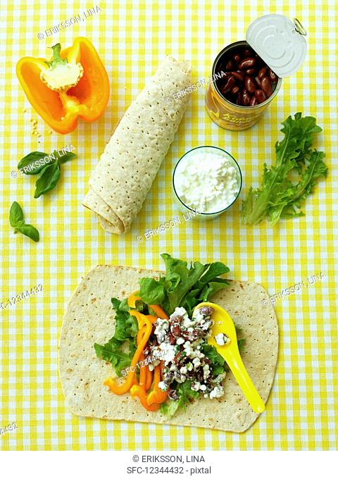 Wraps with cottage cheese and kidney beans