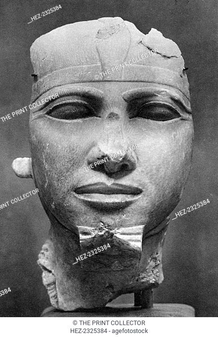 Khafre (2520BC-2494BC), Ancient Egyptian Pharoah, 1936. Alabaster head found in the collection of the Boston Museum of Fine Art