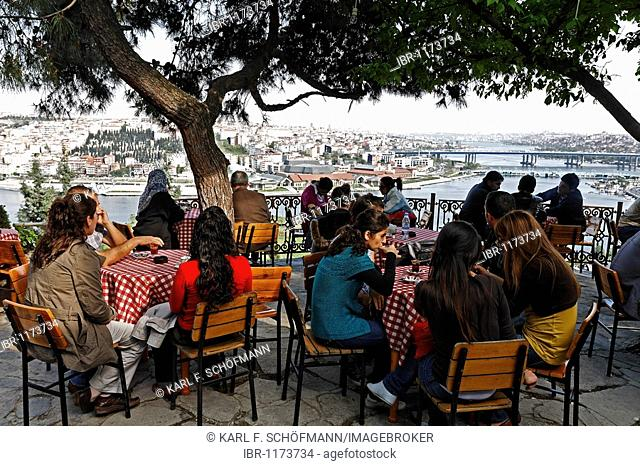 Pierre Loti Cafe, panoramic view, Golden Horn, Eyuep, Istanbul, Turkey