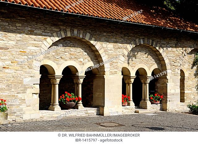 Cloister, Stiftskirche Freckenhorst collegiate church, Warendorf, North Rhine-Westphalia, Germany, Europe