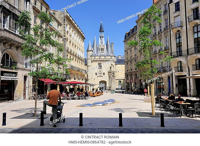 France, Gironde, Bordeaux, area listed as World Heritage by UNESCO, the Port de Lune (Port of the Moon), Place du Palais and Porte Cailhau