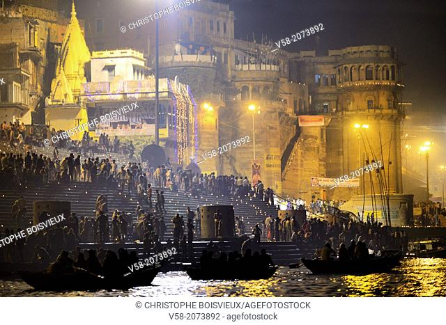 India, Uttar Pradesh, Varanasi, Boatride along the ghats during Dev Deepawali festival