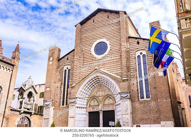 Sant'Anastasia, this gothic church, the largest church in Verona, begun in 1290, to designs by two Dominican friars Fra Benvenuto da Bologna and Fra Nicolò da...