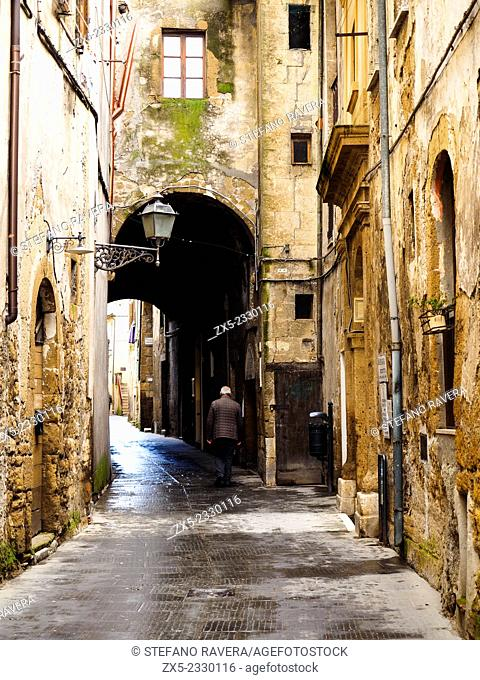 Narrow street in the old medieval town of Pitigliano - Grosseto, Italy