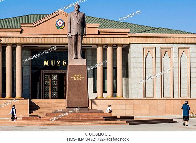 Azerbaijan, Nakhchivan capital city, National Museum and statue of President Heydar Aliyev