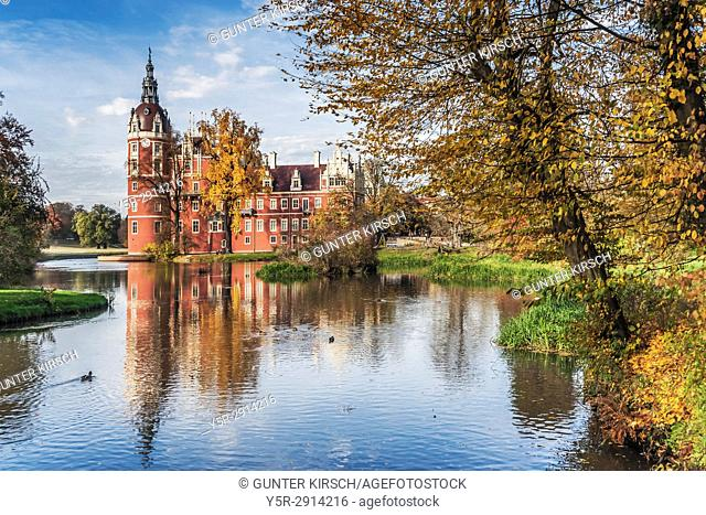 The New Schloss Muskau (Muskau Palace) is located in the Fuerst Pueckler Park in Bad Muskau. It was built in the neo-Renaissance style