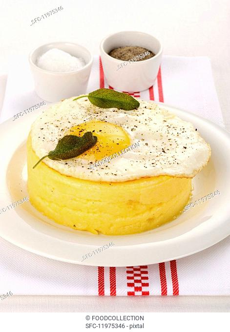 Polenta tartlet with fried egg and sage
