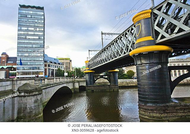 Liberty Hall building, Father Mathew Bridge, River Liffe, Dublin city, province of Leinster, Ireland, Europe